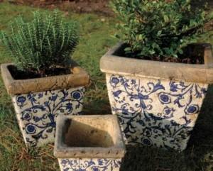 esschert design blau wei keramik blumentopf pflanzgef blumenk bel quadratisch 3er set. Black Bedroom Furniture Sets. Home Design Ideas